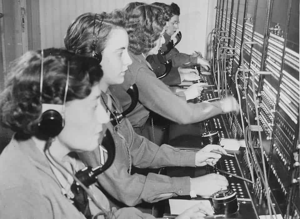 women switchboard operators during World War 2 era